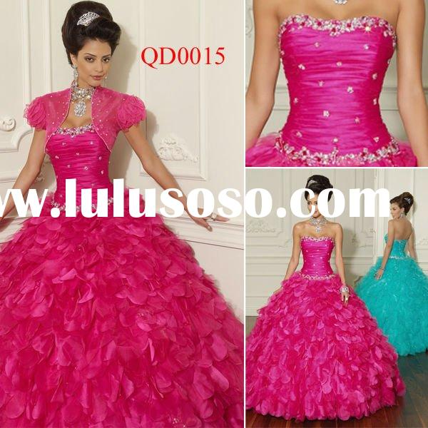 QD0015 Ball Gown 2012 Red Quinceanera Dresses Tulle and Organza Style