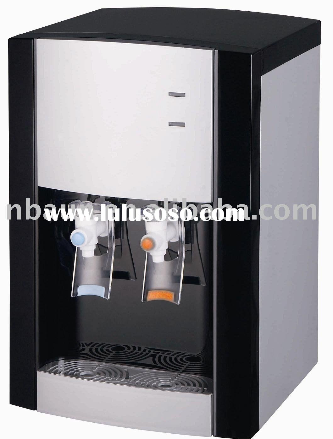Desktop hot and cold water dispenser