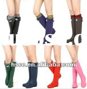 If we ask, why a boots shoes can be a fashion trend? as long as we just saw that rain boots with colour red, green, and yellow