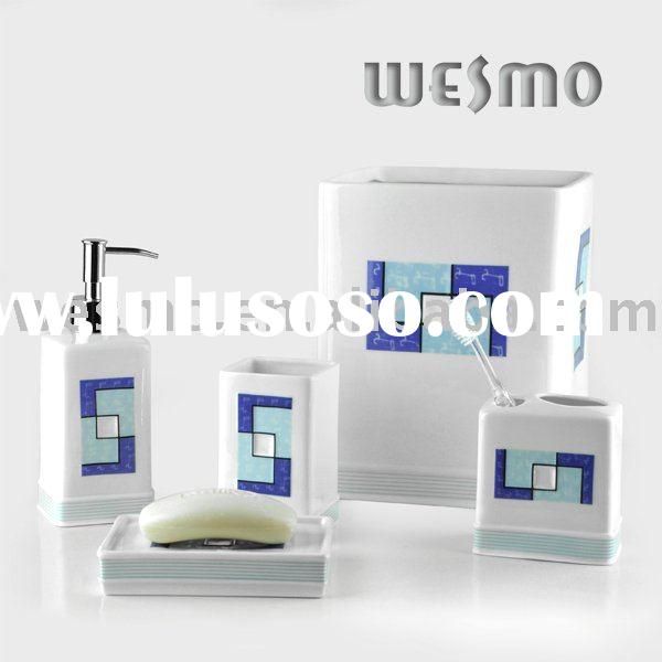 Porcelain bathroom accessories set