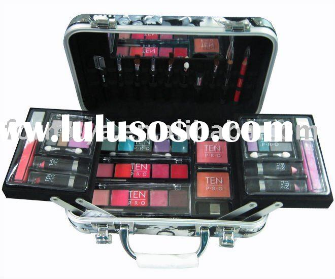 aluminum cosmetic case with make up kit products