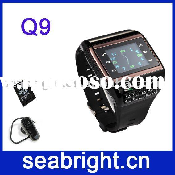1.3 inch QVGA TFT touch scteen dual sim Bluetooth fashion wrist mobile phone watch Q9
