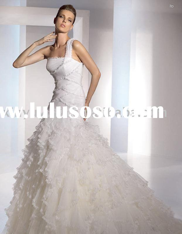 2011 one shoulder petal chapel train organza layered ruffled wedding dress/bridal gown/wedding gown