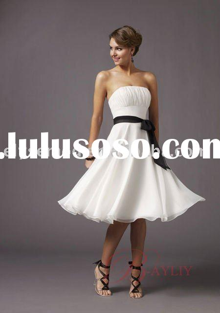Affordable Bridesmaid Dresses Trumpet Knee Length Strapless Chiffon and Satin B9834