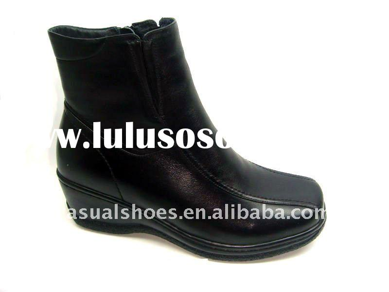 2011 NEW women fashion leather boots .Leather shoes woman