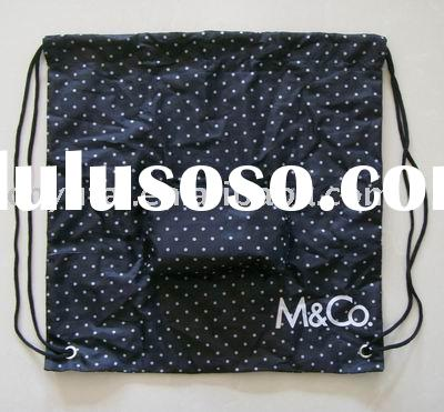 Foldable drawstring bag with zipper pocket