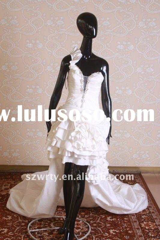 Wedding dresses with detachable train short in front long in back