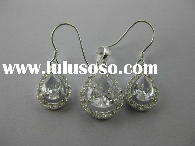 provide 2011 newest elegant 925 sterling silver jewelry set(with CZ)