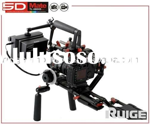 DSLR shoulder rig with professional video monitor for fast focus