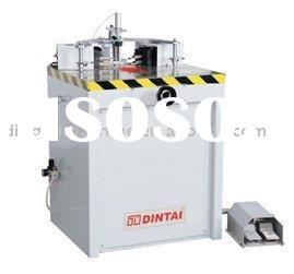 High-efficiency corner crimping machine for aluminum window and door