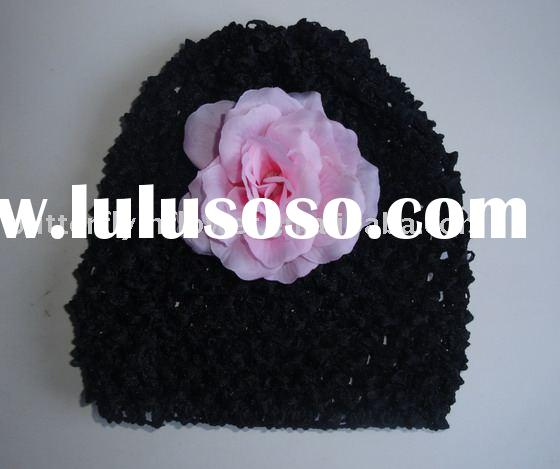Crochet beanie with flower