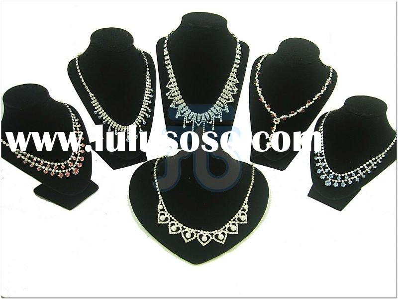 Necklace Chain Holder Organizer for Tradeshow Countertop Tabletop Black Velvet Bust Jewelry Necklace