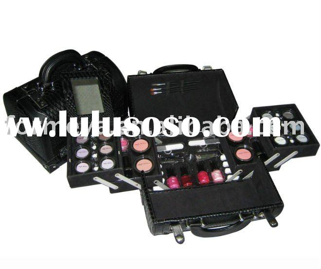 PVC leather makeup case with beauty product set