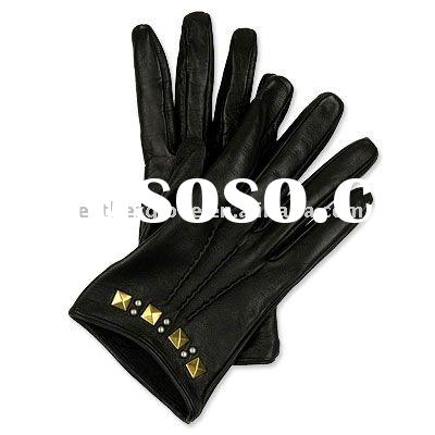 fashion women wearing leather gloves