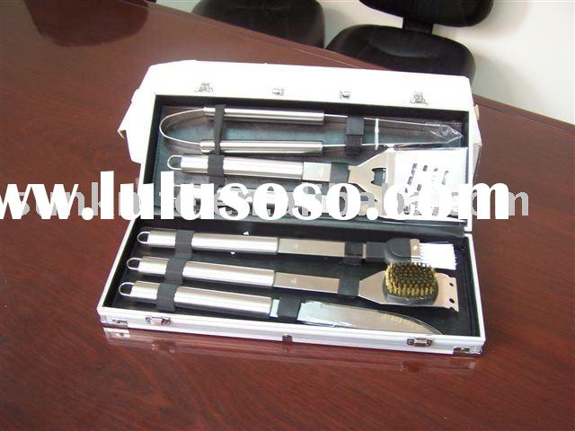 BBQ tool set with stainless steel handle