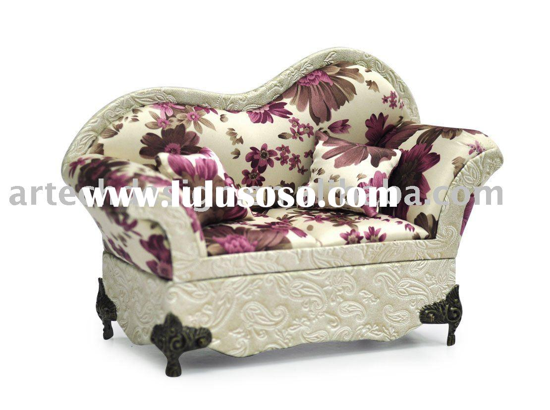 Hit! SAN Victorian Sofa with floral fabric jewelry box