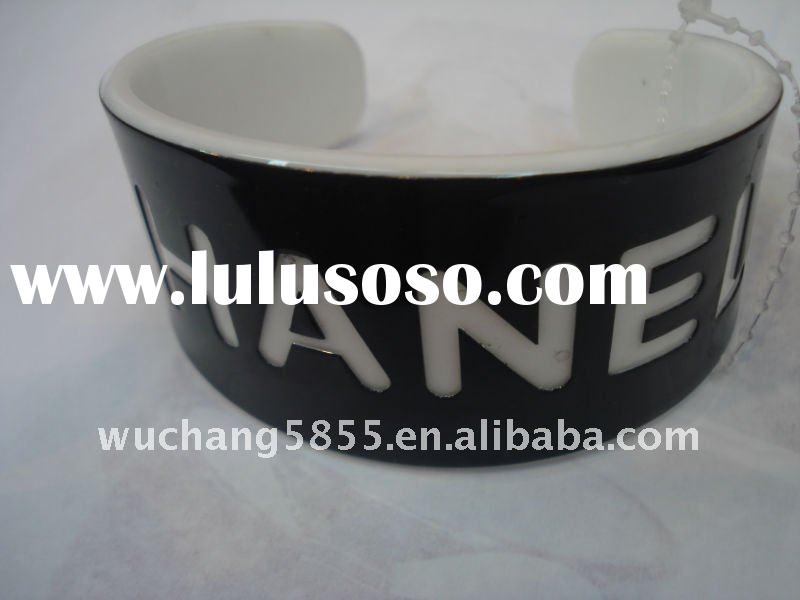 Hot! Fashion women's custom LOGO resin cuff bangles