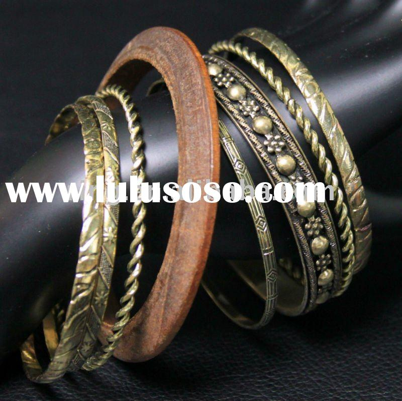Set of 8 Wood & Gold Tone Embossed Bangle Bracelet