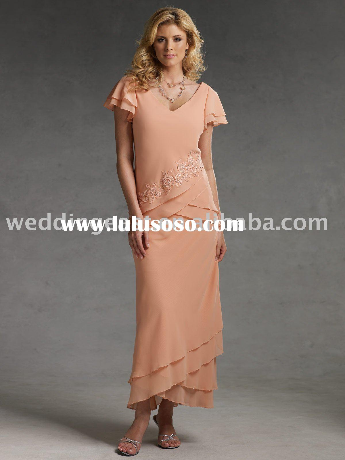 A Line Chiffon Short-Sleeves Appliqued Mother Of The Bride Dresses