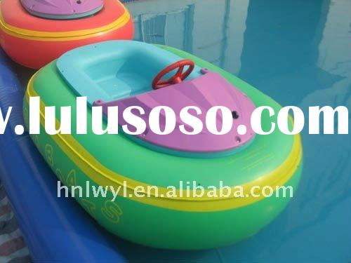 2011 Hot-sellingmotor bumper boat on water in inflatable swimming pool