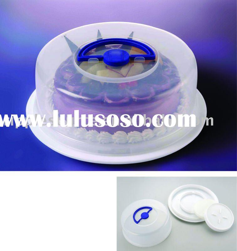Plastic cake container with handle and lid