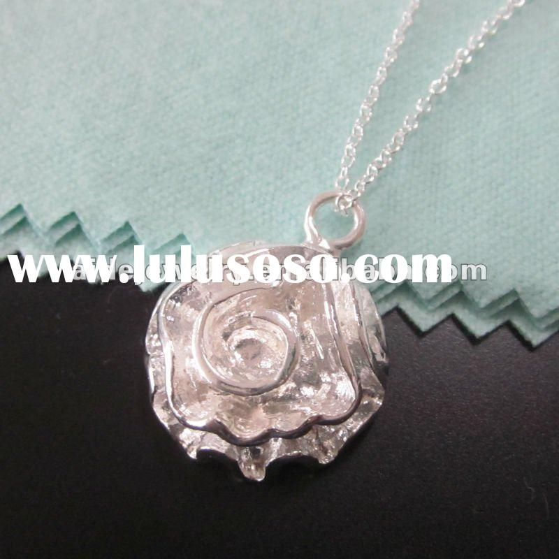 2012 Fashion Silver Jewelry Flower Pendant Necklace Jewelry P241j