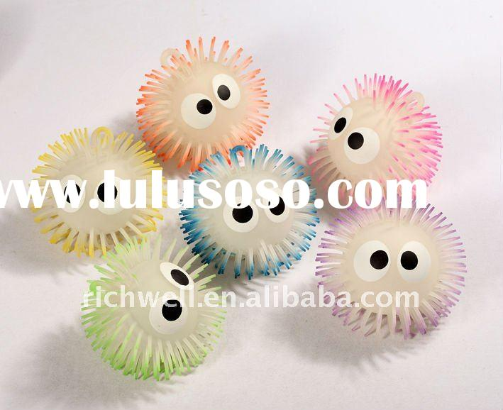 5 inch big eyes 2 tone bright puffer bal flashing ball fluffy ball
