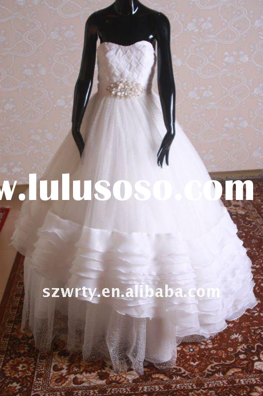 Heart shaped wedding dress with bead and crystal