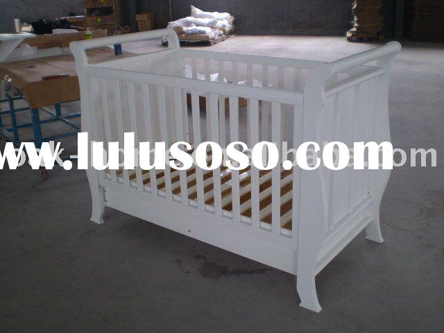 baby crib/cot/bed