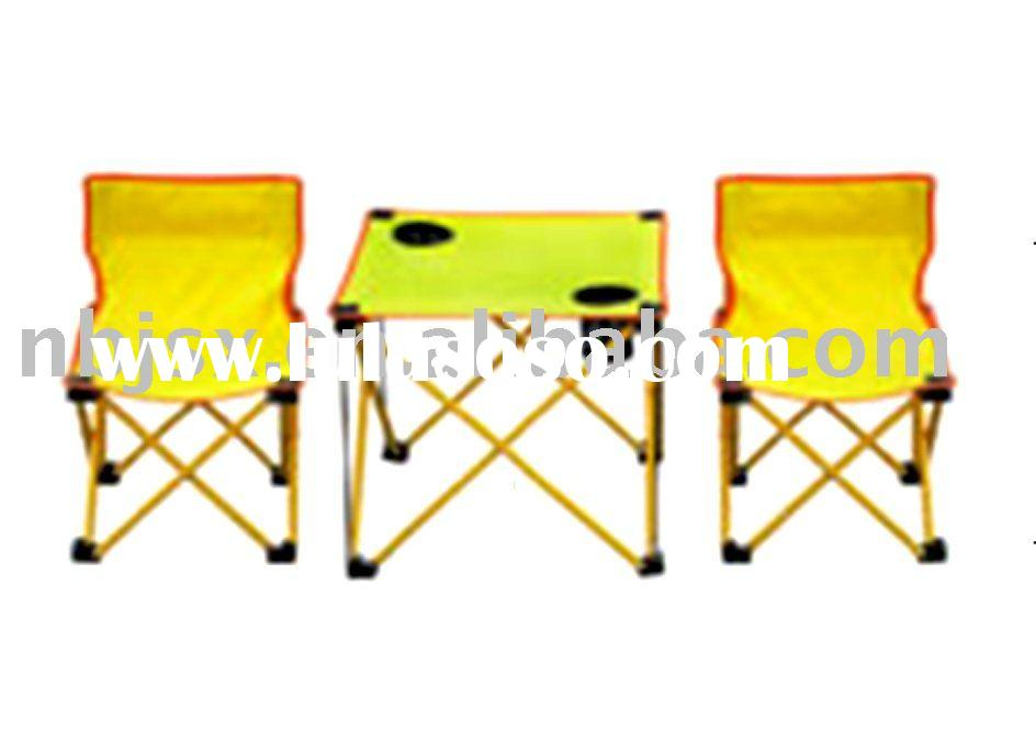 double folding lounge chair with table