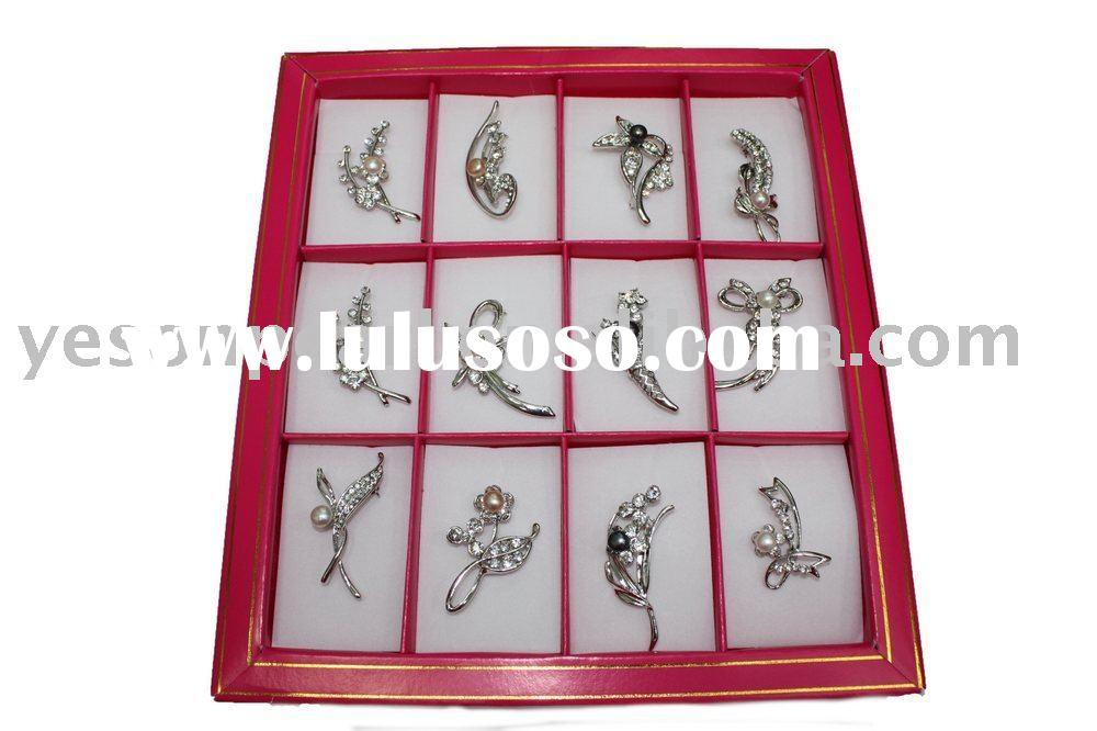 elegant different kinds of pearl brooch in one box