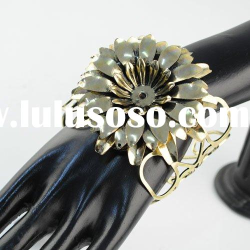 flower bangles ,antique bronze color bangle ,cuff bangles ,paypal ,free shipping ,br-1129