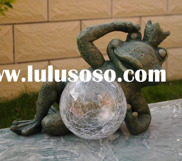 polyresin frog with glass ball solar garden lamp decoration
