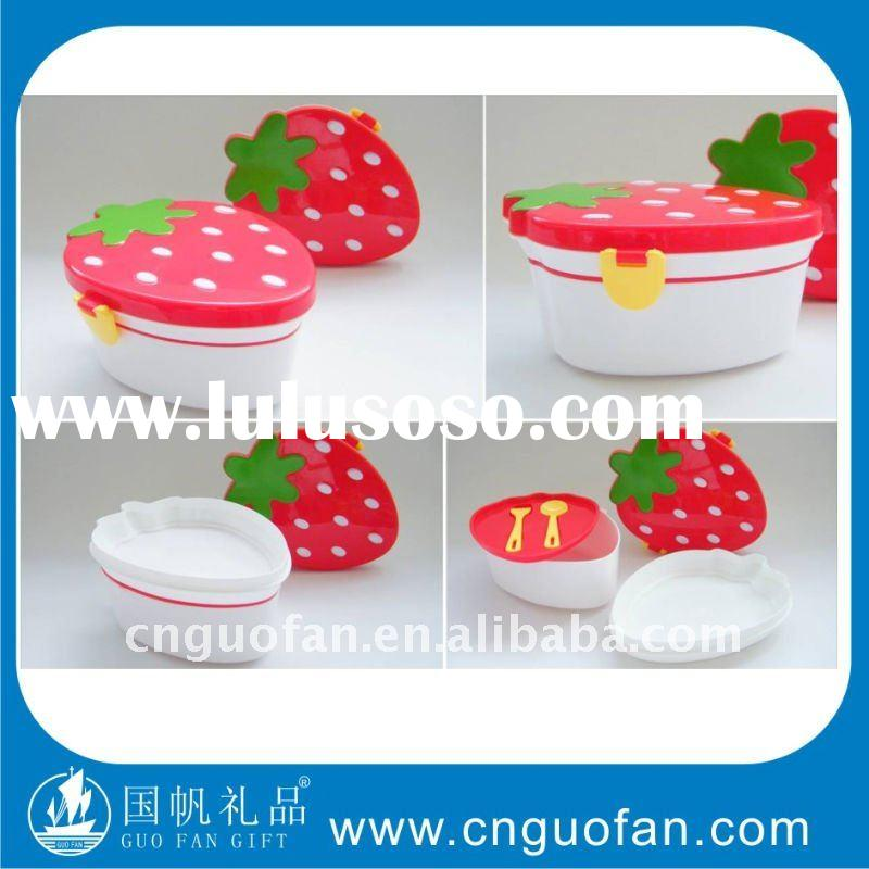 Strawberry Shape Plastic Lunch box with handle H9105