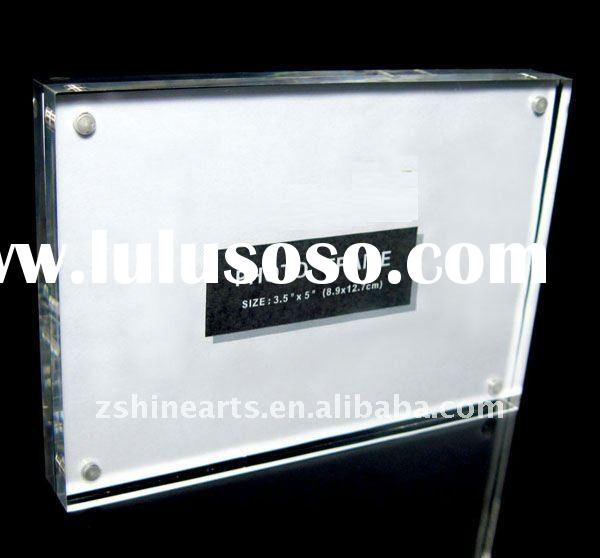The High Quality Acrylic Cube Magnetic Photo Frame