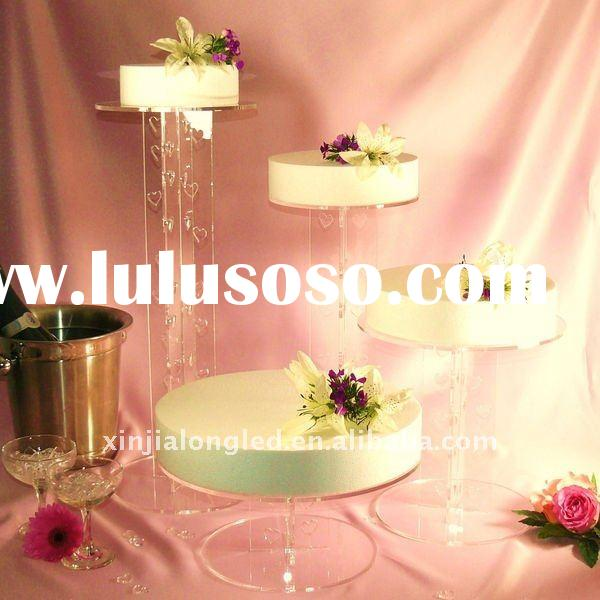 Clear plastic cake stand . acrylic cake display