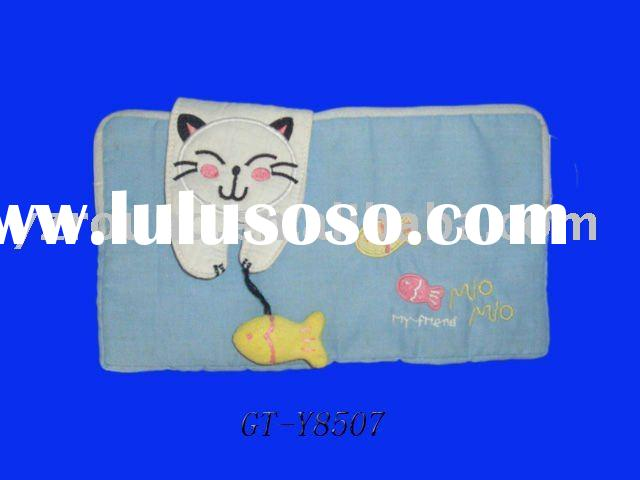 baby blanket with cat design made of soft cotton