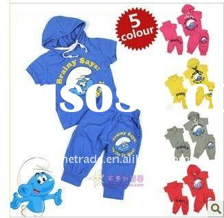 lovly kids suit with smurf on it .