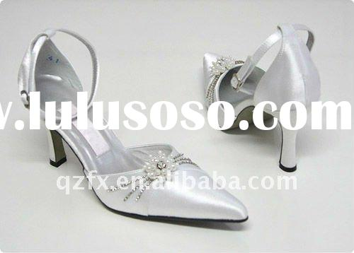 Dropshipping White wedding party shoes with jewellry with pointed toe dress shoes