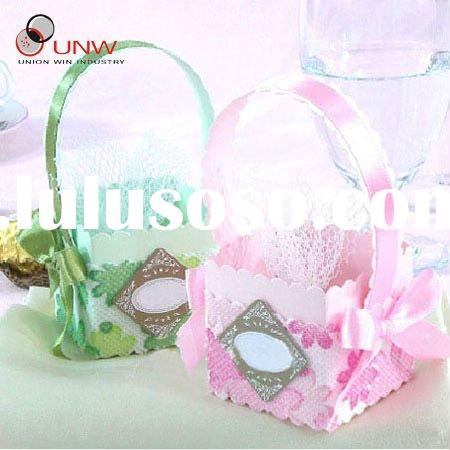Elegant wedding favor boxes with fabric decoration