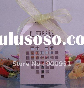 Hot 2012 laser cut wedding favor boxes,250g pearl paper,free logo,retail business