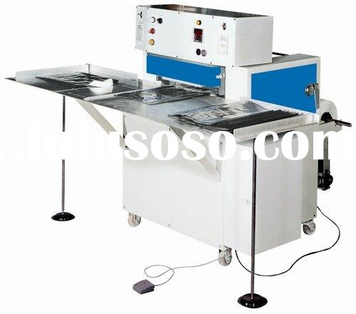 Semi-automatic soft loop handle bag sealing machine