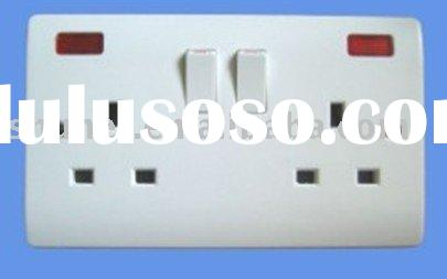 UK type 13 Amp 2 Gang Switched wall Socket with neon