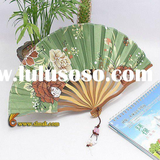wooden hand fans, chinese hand fans, hand fans for wedding favors, white paper fans, hand held paper