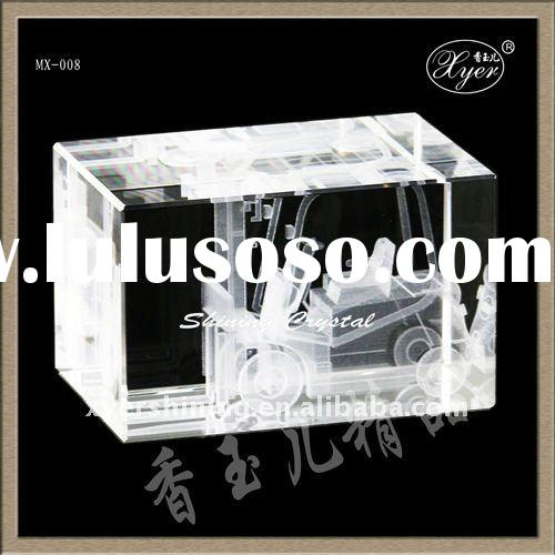 Personalized laser 3d crystal model etched blocks
