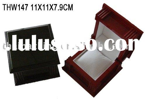 THW147, wood watch box