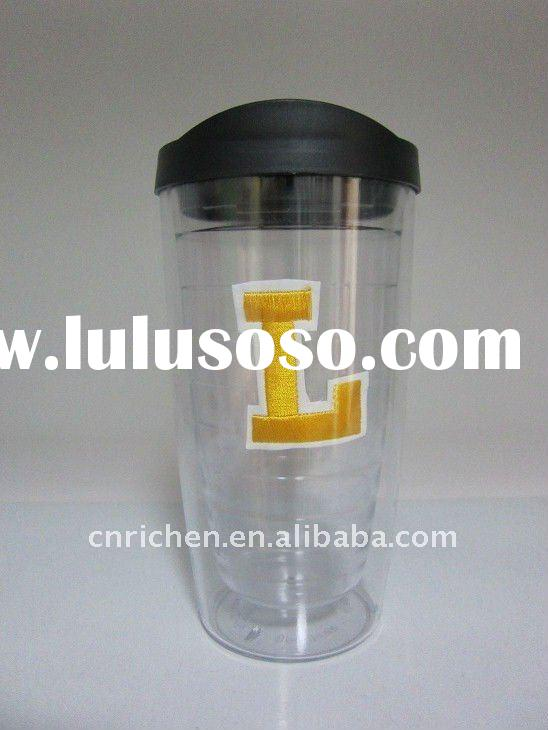 Double wall plastic tumbler with embroidery patch