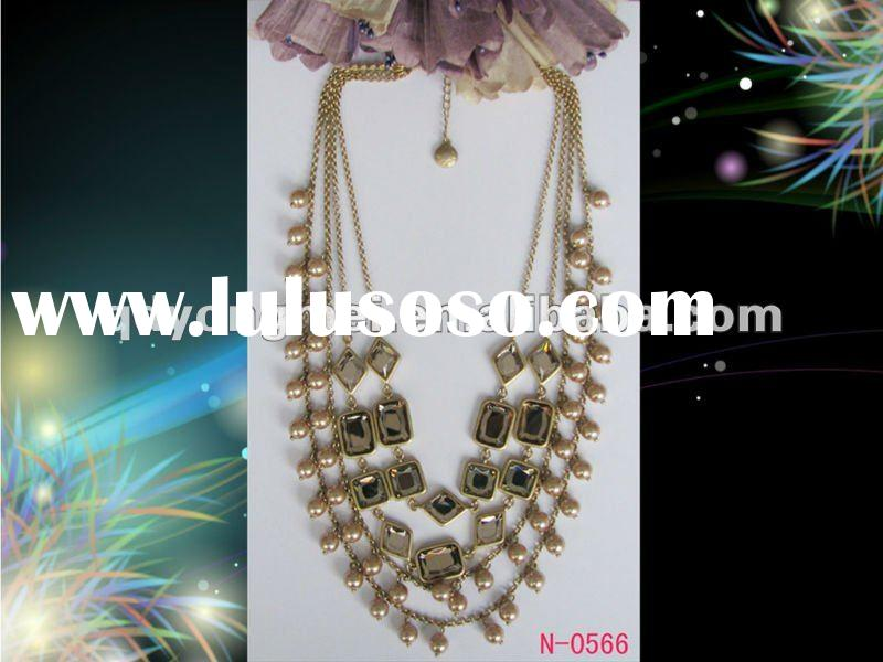Japanese and Korean fashion costume jewelry gold chain link pearl and diamond necklace