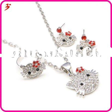 fashion 2012 zinc alloy rhinestone hello kitty necklace and earrings and ring jewelry set (T100150)
