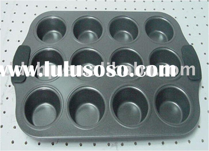 Baking dishes & Pans - 12 Cup muffin pan with silicone grip handle